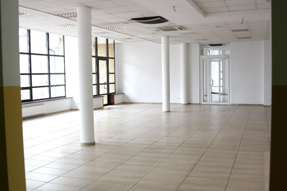 Do wynajęcia lokal handlowo – usługowy 190 m2 w Centrum Suwałk